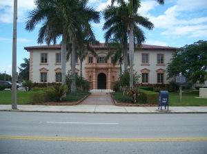 Lake Park Town Hall