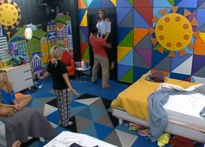 BB15-Live-Feeds-07-12-2