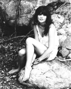 linda_ronstadt_october_1970a_eHeRMVv_sized