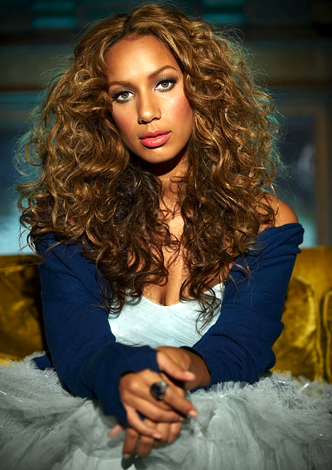 leona-lewis-gorgeous-photo-1